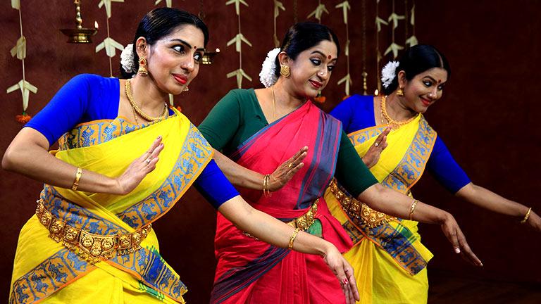 Sri Chakra Raja... Mohiniyattam composition live now!