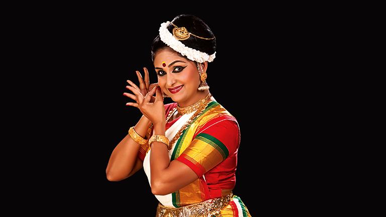 Mohiniyattam by Sunanda Nair